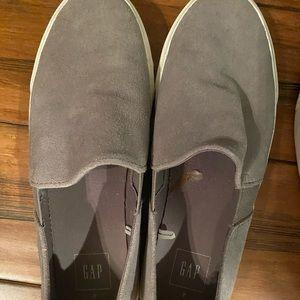 GAP slip on tennis shoe